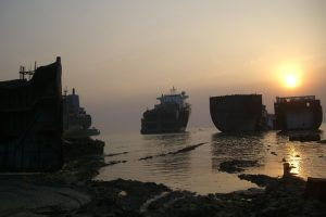 a few ships waiting to get recycled