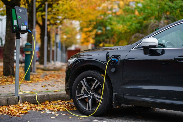 Global electric car sales set for further strong growth in coming years