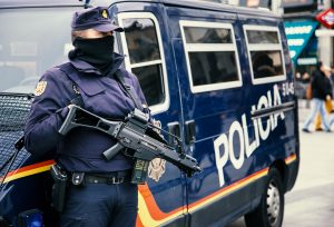 Spanish authority arrests eight criminals smuggling drugs by sea